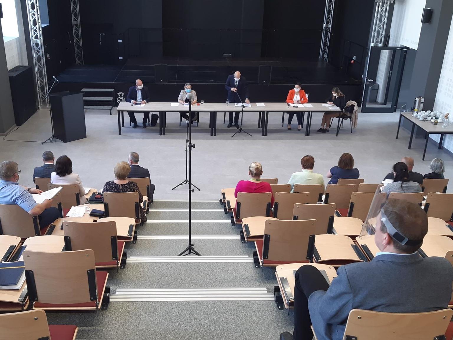 Ilustracja do informacji: 25. sesja Rady Powiatu w Środzie Śląskiej