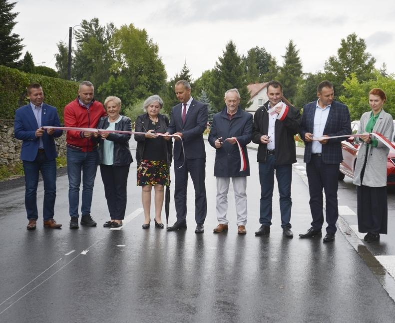 Ilustracja do informacji: Droga powiatowa Piekary - Konary oficjalnie odebrana