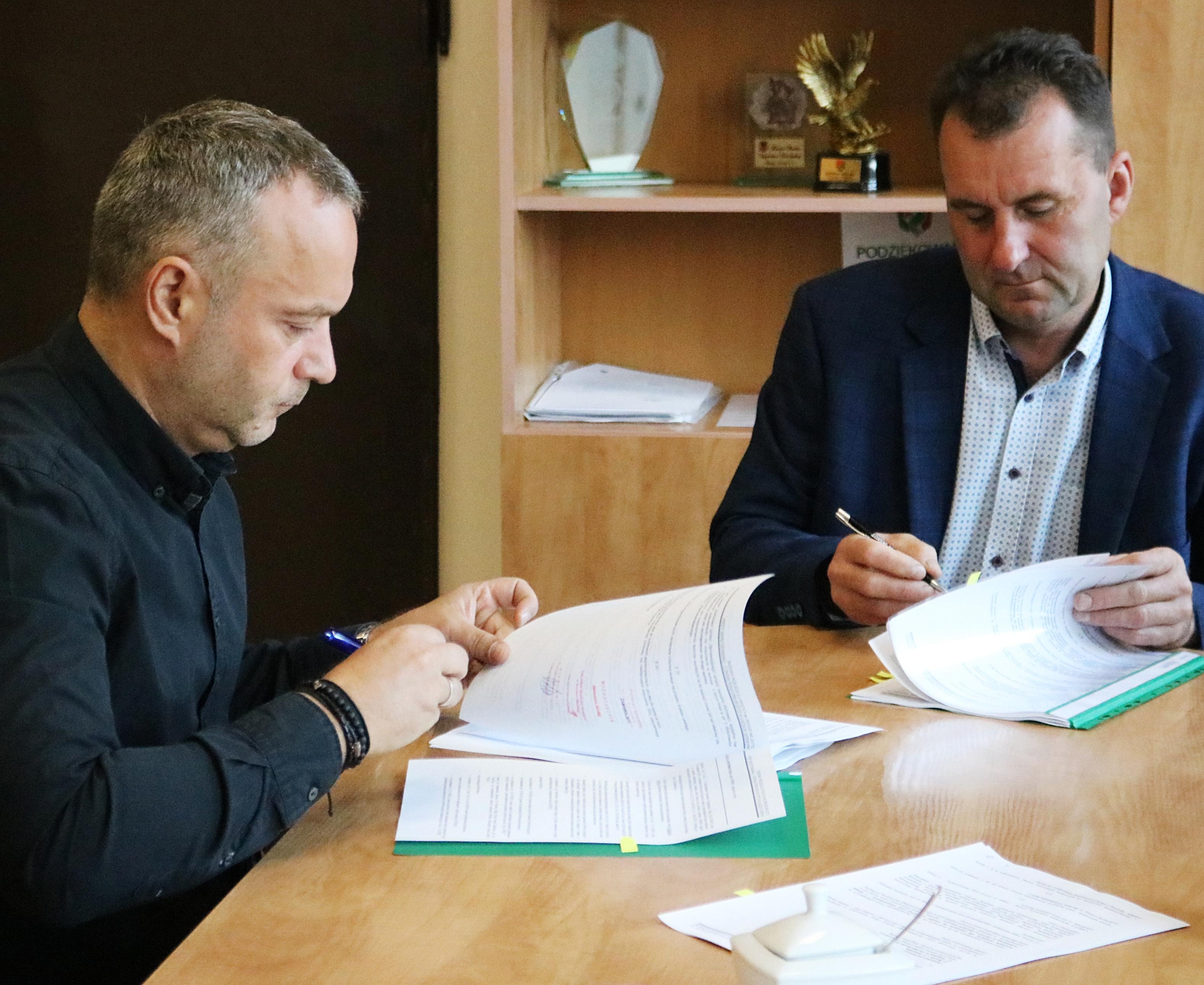 Ilustracja do informacji: Powstaną nowe przejścia dla pieszych w Środzie Śląskiej i Ujeździe Górnym